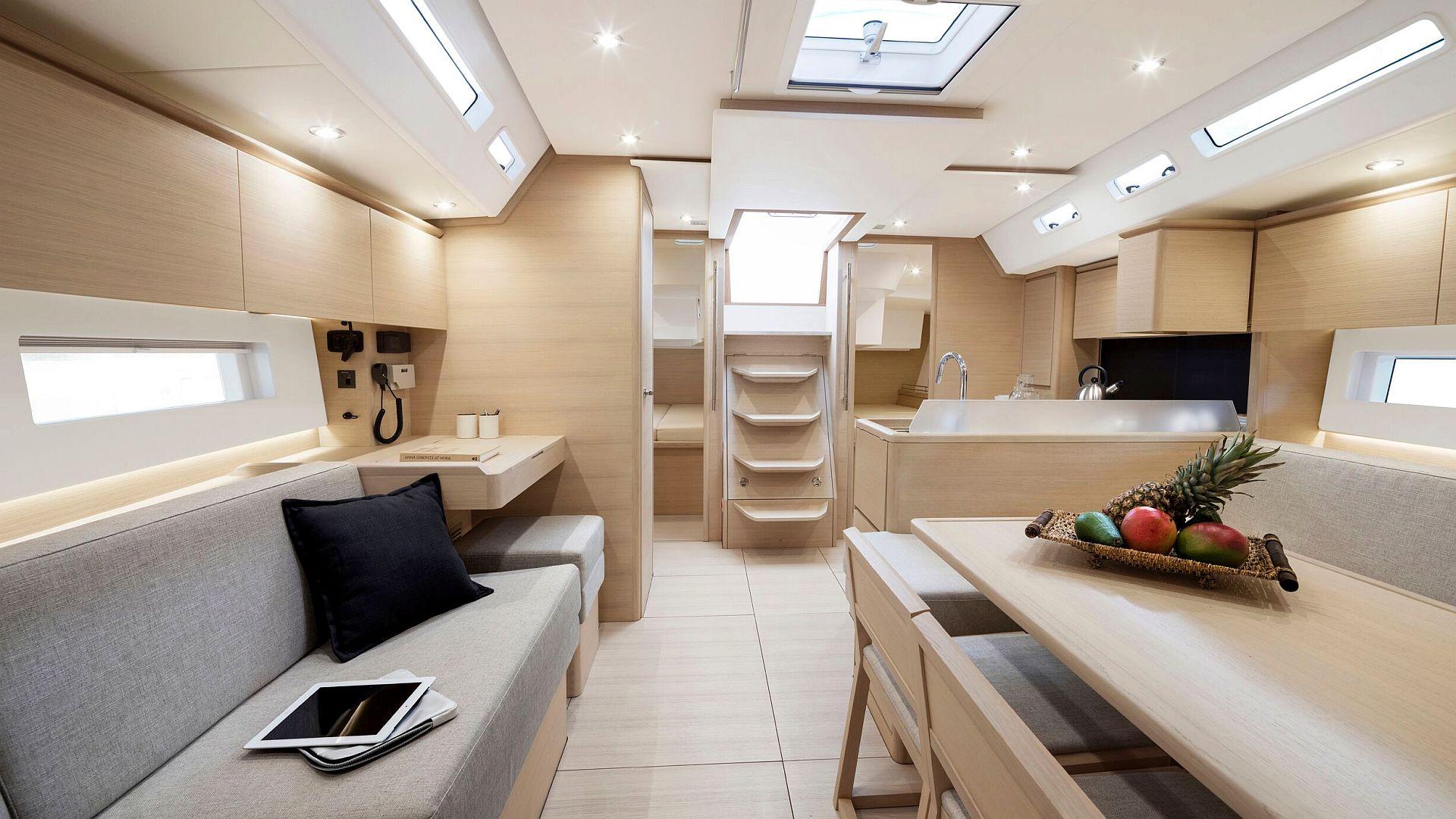 Solaris 47 | Moderner Performance-Cruiser aus Italien